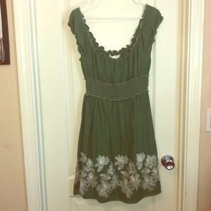 Max Studio Sweet Embroidered Green Dress